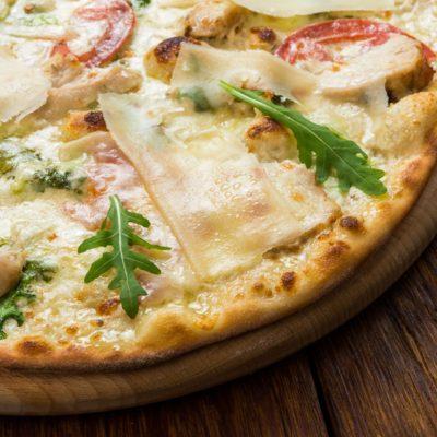 Delicious pizza pianca at Kookstudio Etenschap